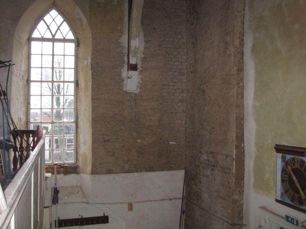 04. Voorkerk uitzicht raam