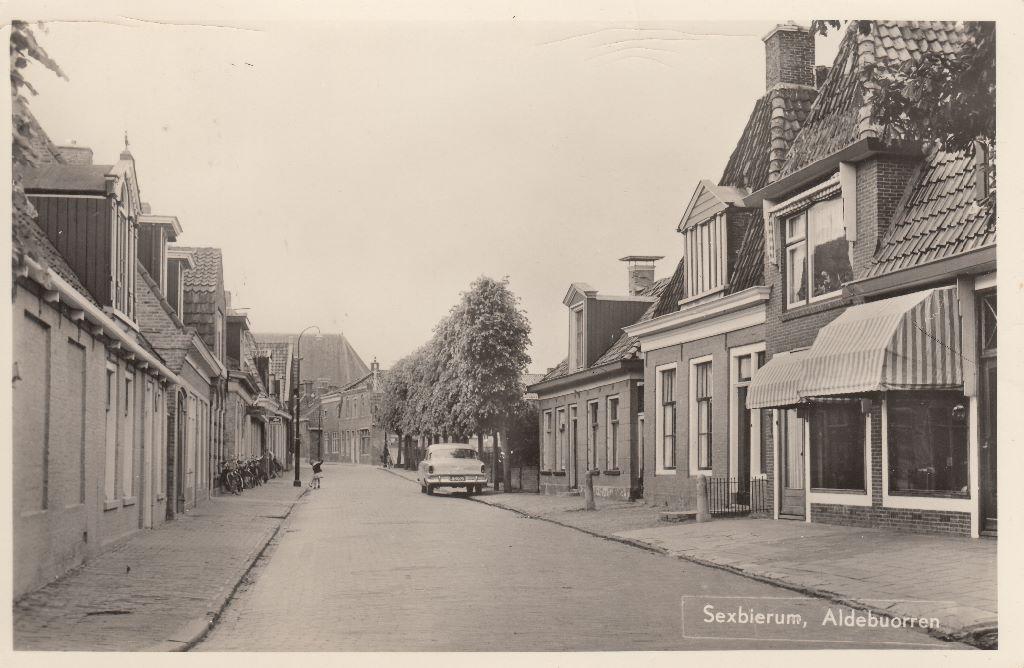 De Alde Buorren 1965. De woning rechts in het midden is nr. 15