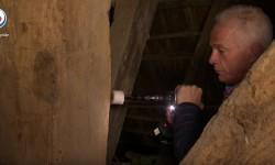 Paul Borghaerts bezig met het maken van een houten boorstaal