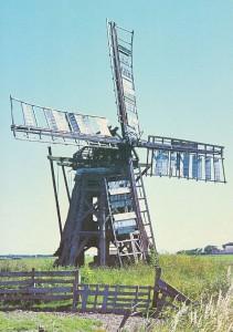 De Bjusse poldermolen van de Kolthofpolder in 1971.